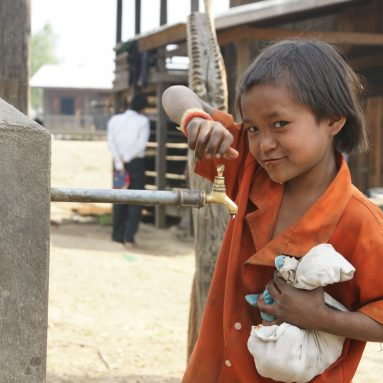 image_child_water_well